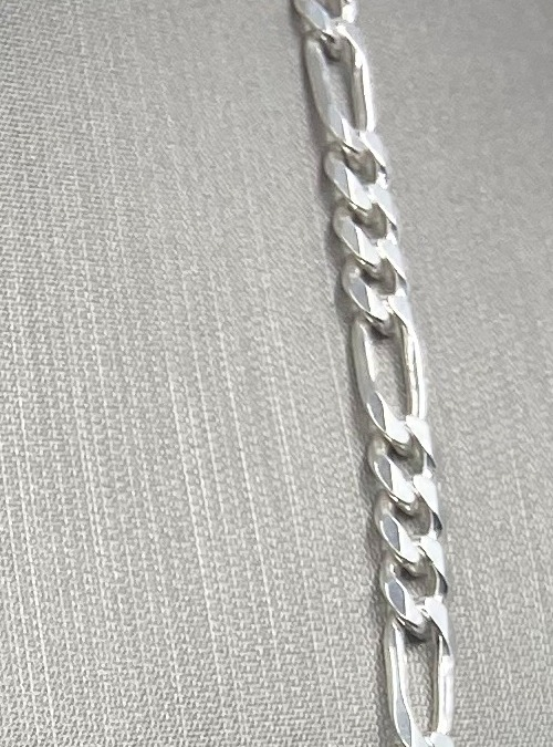 "Elegant ""Figaro"" sterling silver chain"