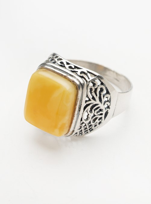 Vintage Butterscotch amber sterling silver ring