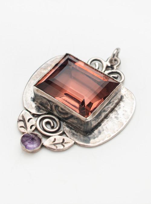 Amethyst/quartz vintage pendant