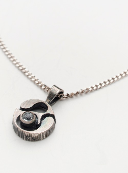 Karl Laine Finland vintage 70's sterling silver pendant with Quartz