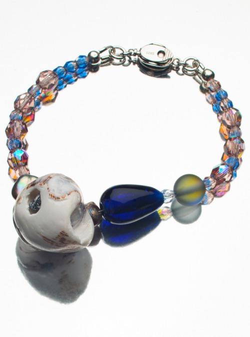 Shell & pearl bracelet